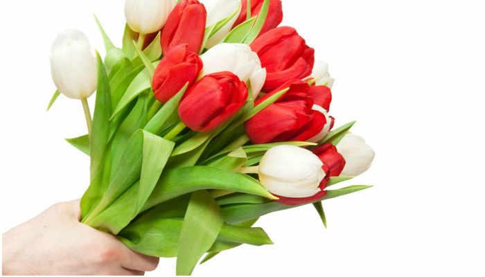 О чем говорят подаренные цветы