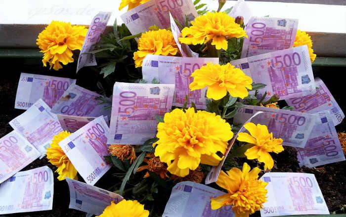 Цветы и деньги