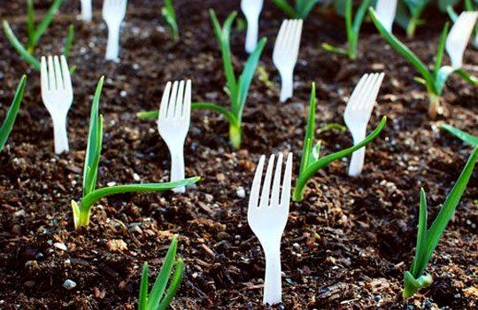 Не тратьте деньги на дорогие садовые инструменты