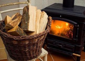 Какими дровами лучше всего топить камин и печь