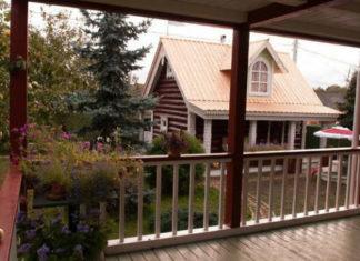 Как обновить фасад и кровлю деревянного дома: реальный пример