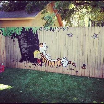 Забор не обязан быть скучным! 20 необычных идей для дачи
