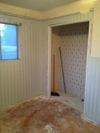 Соседи не поверили своим глазам, увидев, во что она превратила прабабушкин дом! Как такое можно было сделать!